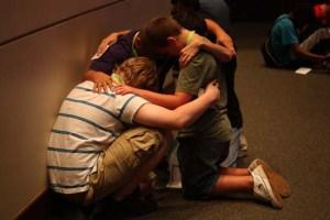 boys_praying
