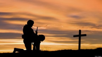 soldier-praying-460x259